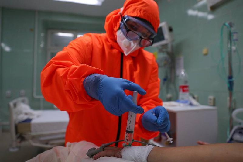 Russia reports over 23,800 daily COVID-19 cases — crisis center