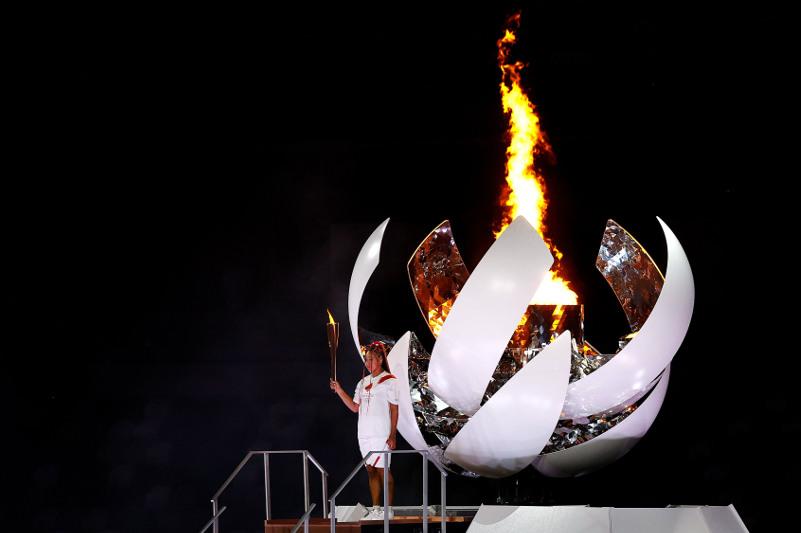 Олимпийский огонь зажгли в Токио