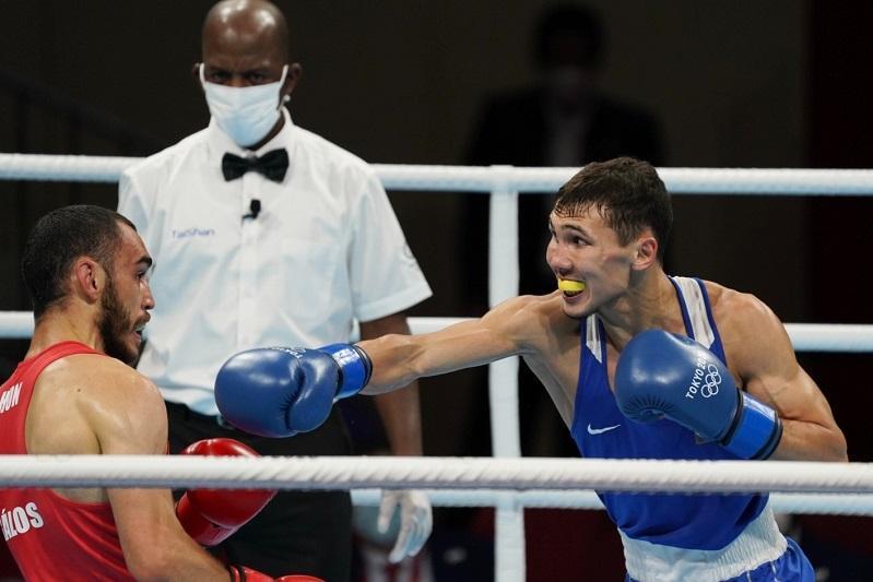 Kazakh boxer Temirzhanov off to successful start at Tokyo Olympics
