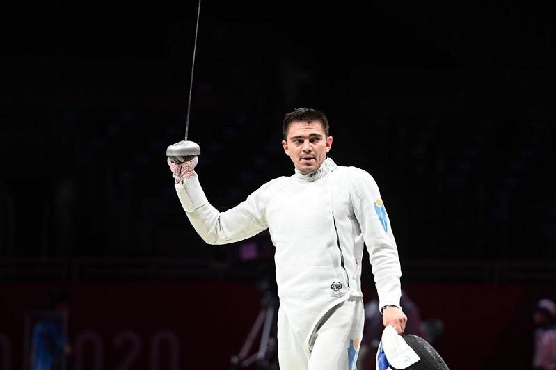 Казахстанский шпажист Руслан Курбанов стартовал с победы на Олимпиаде