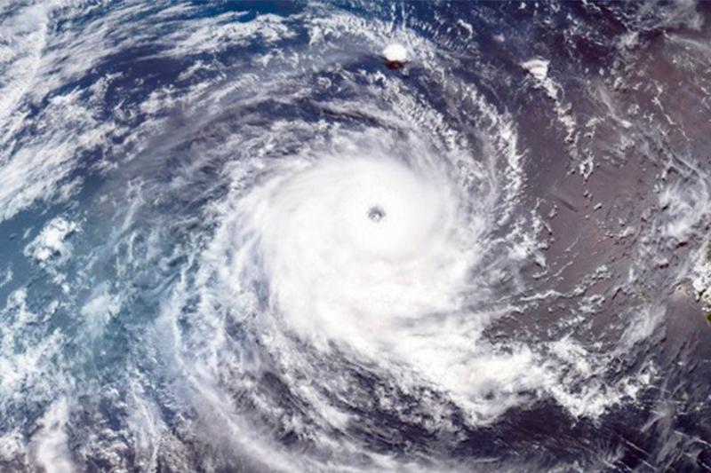 Мощный тайфун надвигается на Токио, часть олимпийских событий перенесли