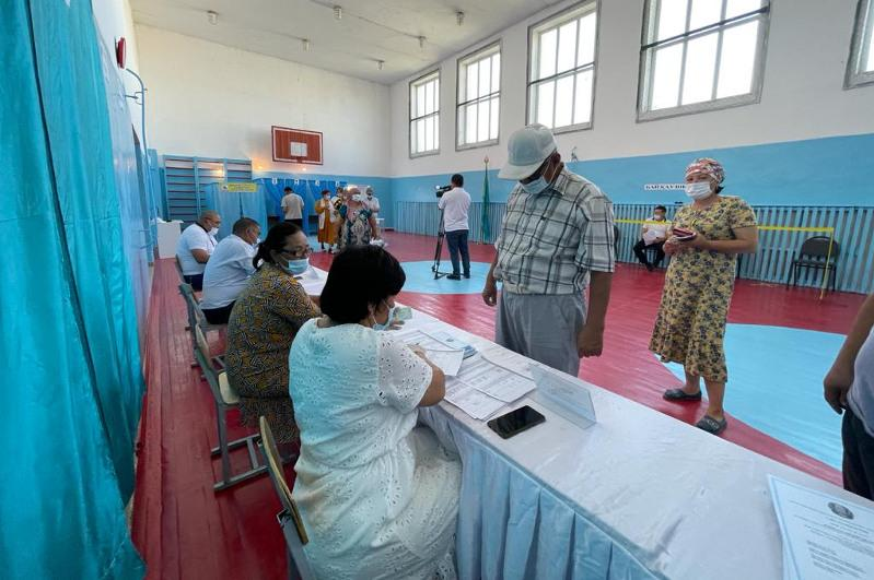 Сауран ауданының үш ауылдық округінде әкімдерге дауыс беріліп жатыр