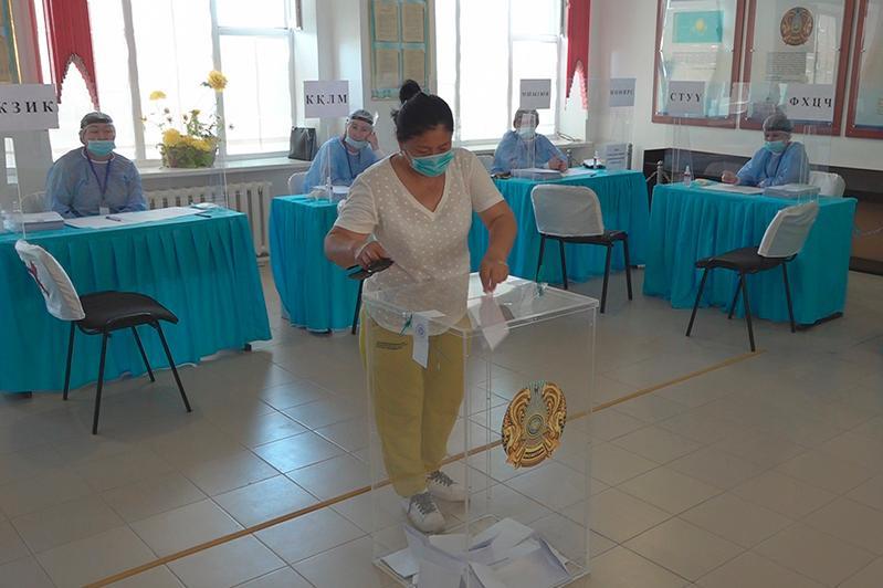 125 наблюдателей следят за выборами сельских акимов в Атырауской области
