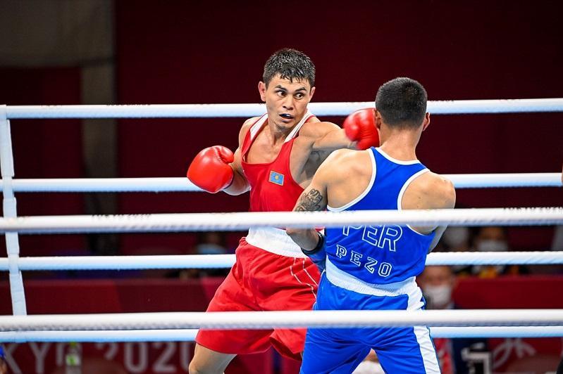 Kazak boxer Safiullin advances at Tokyo Olympics