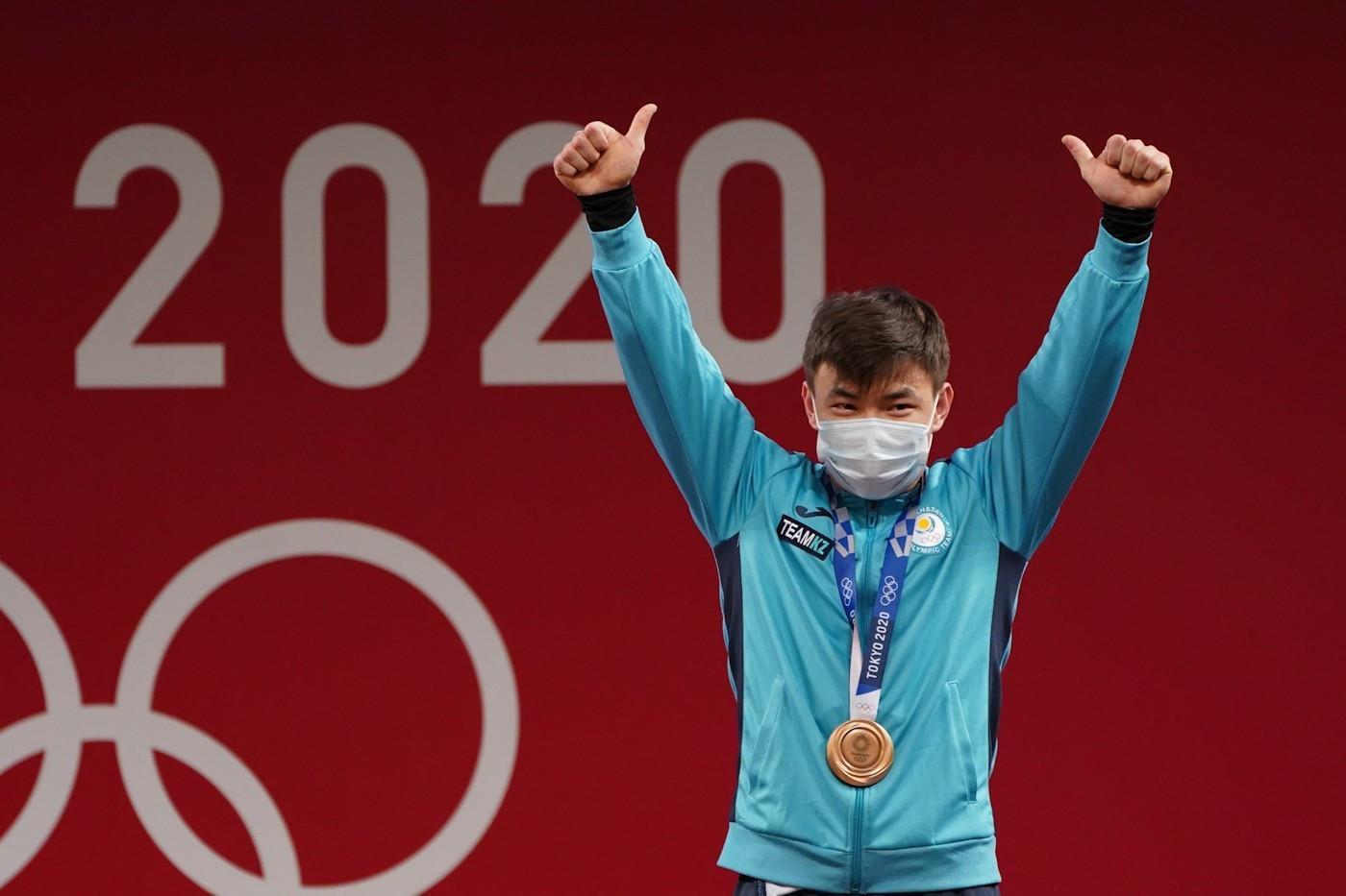 东京奥运第二比赛日:哈萨克斯坦举重队获一枚铜牌