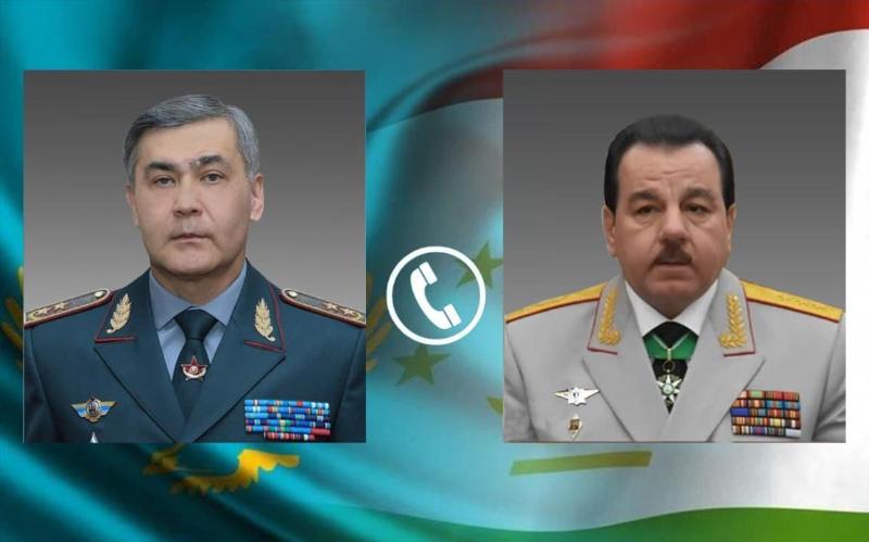 哈萨克斯坦与塔吉克斯坦国防部长通电话 讨论塔阿边境局势