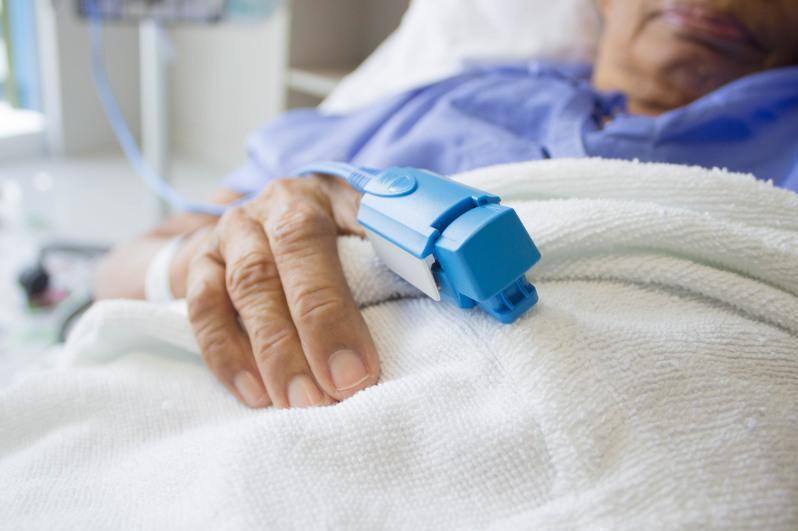 COVID-19:全国住院患者人数2.3万余