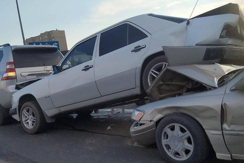 Cемь автомашин столкнулись в Семее