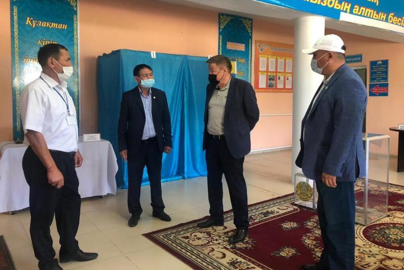 Сенатор Бекболат Орынбеков посетил Жамбылскую область