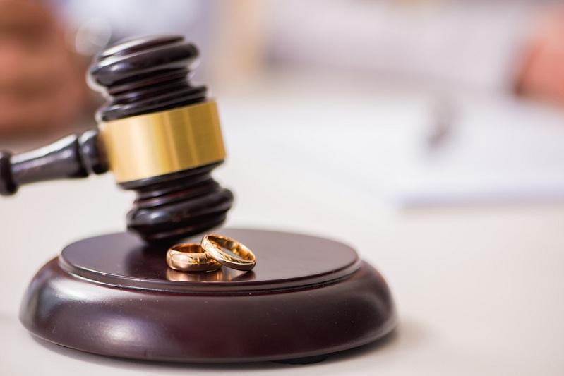 Сколько пар развелось в Казахстане в прошлом году