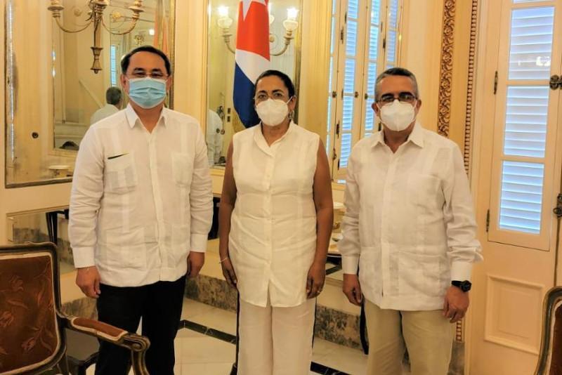 哈萨克斯坦大使与古巴外交代表讨论双边合作