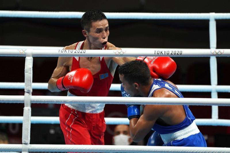 Боксер Сакен Бибосынов вышел в 1/8 финала Олимпийских игр в Токио