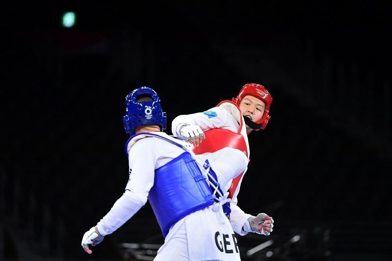 Kazakhstan's Ruslan Zhaparov wins 1st round bout in taekwondo event at Olympics