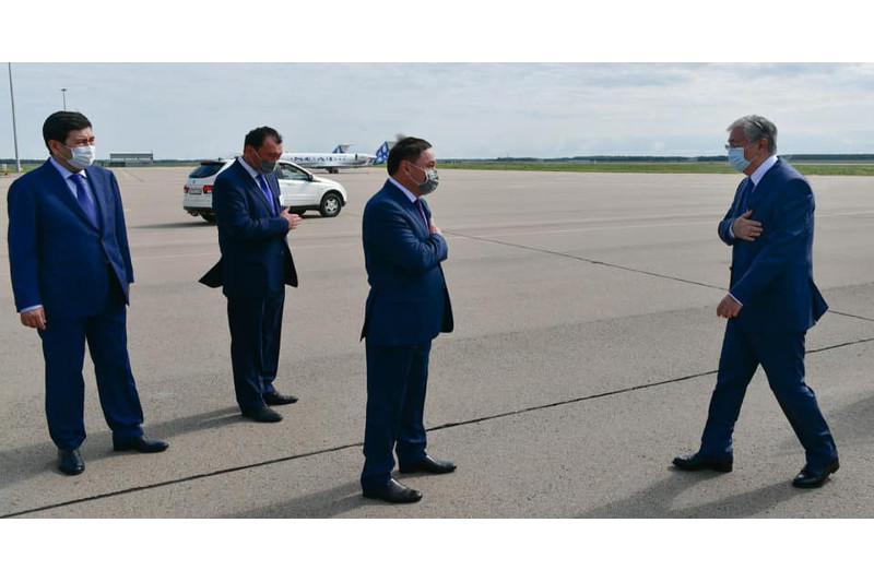 托卡耶夫总统抵达阔科舍套
