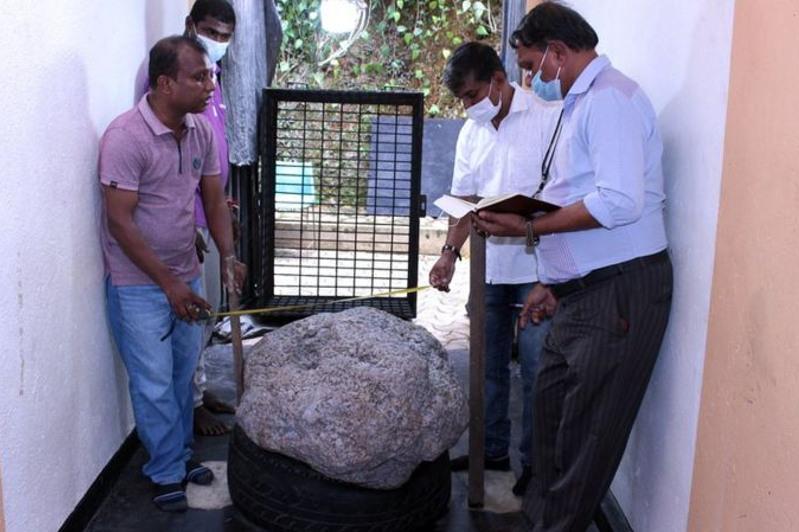 Крупнейшее в мире скопление сапфиров случайно нашли в Шри-Ланке