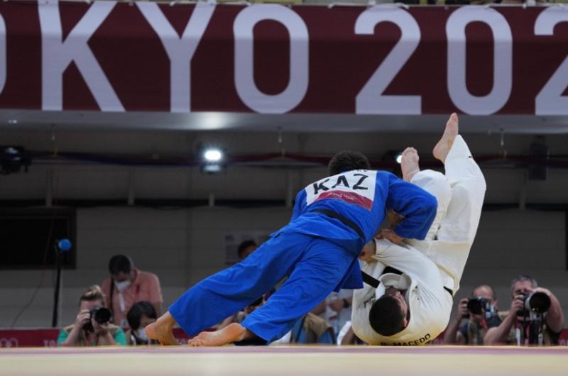 Дзюдоист Ислам Бозбаев стартовал с победы на Олимпиаде в Токио