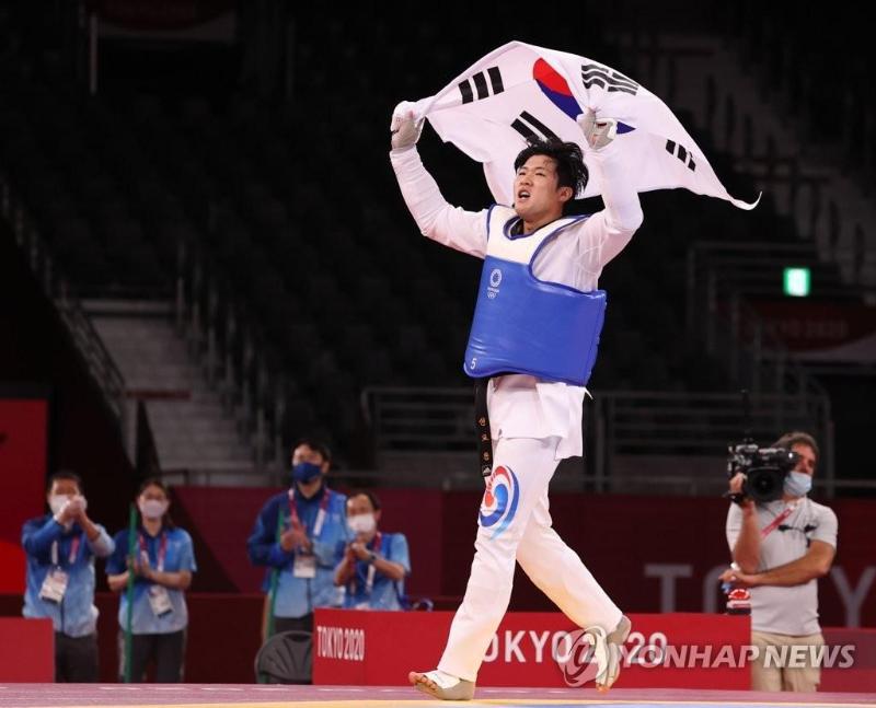 Токио 2020: Саратон касаллигидан тузалган Жанубий кореялик таэквондочи бронза медалини қўлга киритди