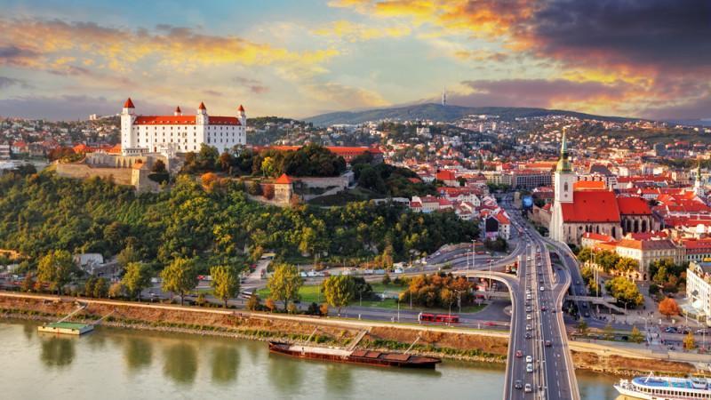 哈萨克斯坦向斯洛伐克方面提议承认QazVac疫苗