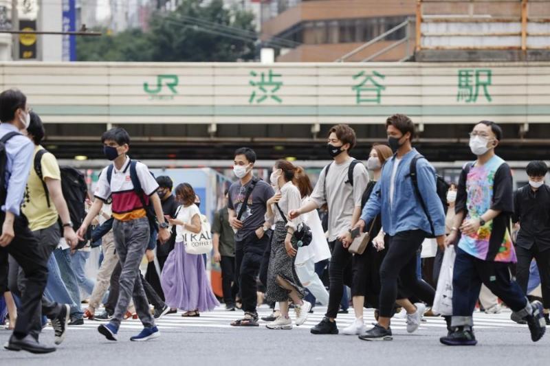 Японияда биринчи марта COVID-19 юқтирганларнинг кунлик сони 9000 кишидан ошди