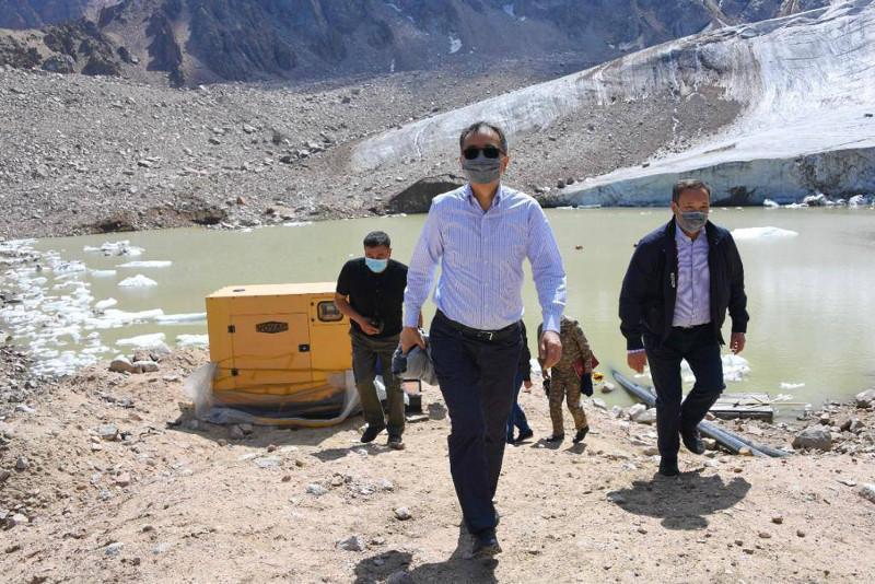 Состояние моренных озер проверили в горах Алматы