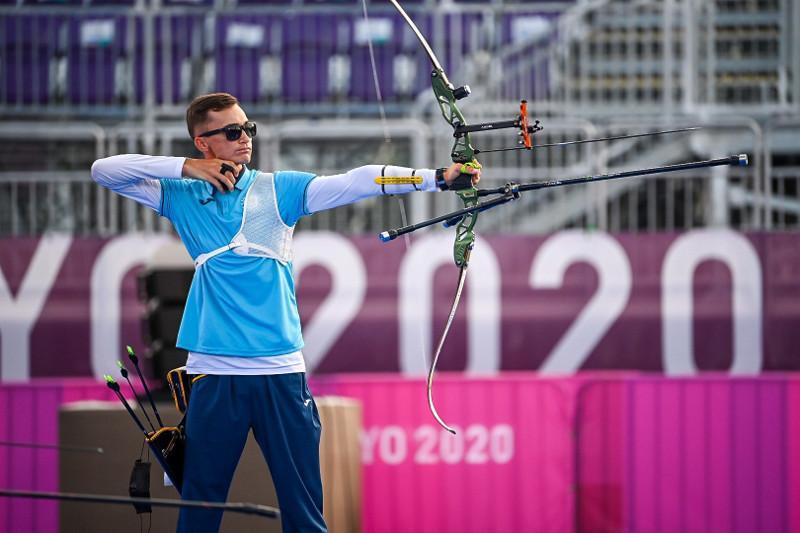 Стрельба из лука на ОИ-2020: Ильфат Абдуллин пробился в 1/8 финала