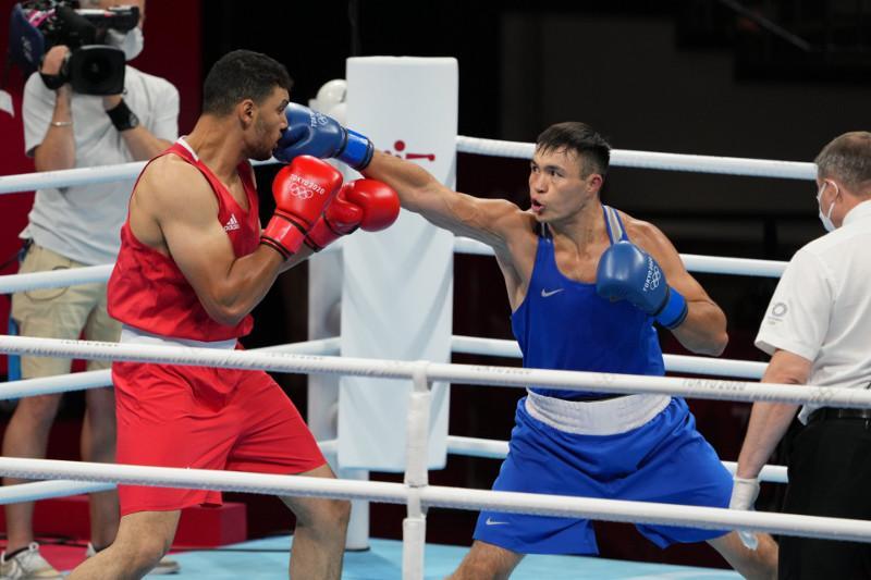 Боксер Камшыбек Кункабаев уверенно прошел в 1/4 финала Олимпийских игр