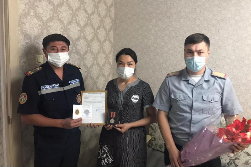 Спасшего тонущую девочку жителя Семея наградили посмертно