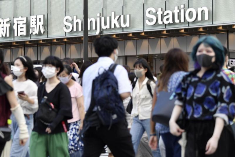 В Японии суточный прирост СOVID-19 впервые превысил 10 000 случаев