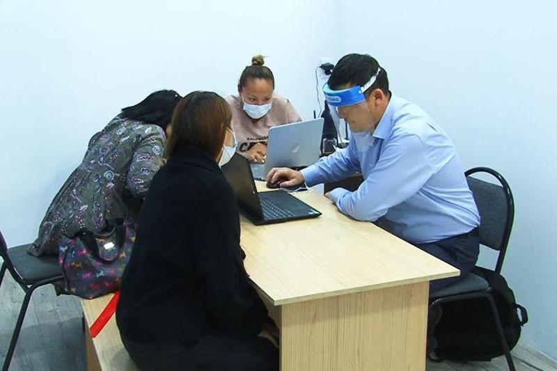 Карагандинским предпринимателям помогают регистрироваться в Ashyq