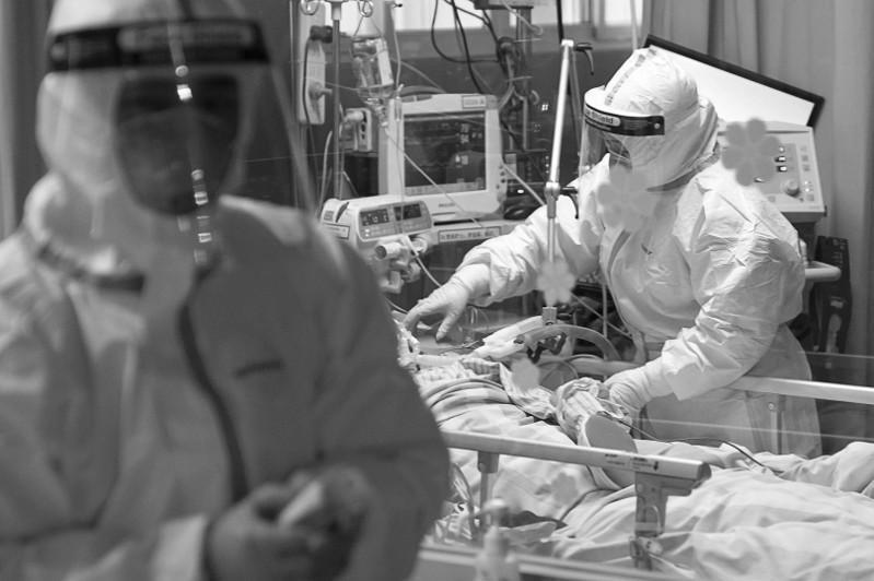 全球疫情:日增病例超67万例