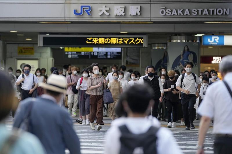 В Японии планируют продлить режим ЧС из-за роста случаев КВИ
