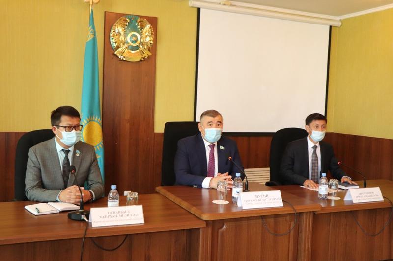 Сенатор Дуйсенгазы Мусин встретился с аграриями ВКО