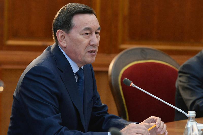 总统签署命令解除哈斯莫夫国家警卫局局长职务