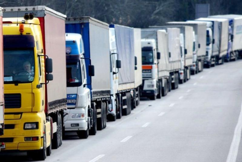 Скопление авто на казахстанско-кыргызской границе прокомментировали в Минфине РК