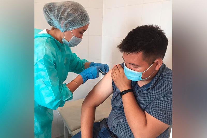 В СКО на отдельных предприятиях вакцинировали 90% сотрудников
