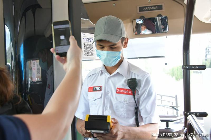 Соблюдение масочного режима проверили в автобусах Нур-Султана