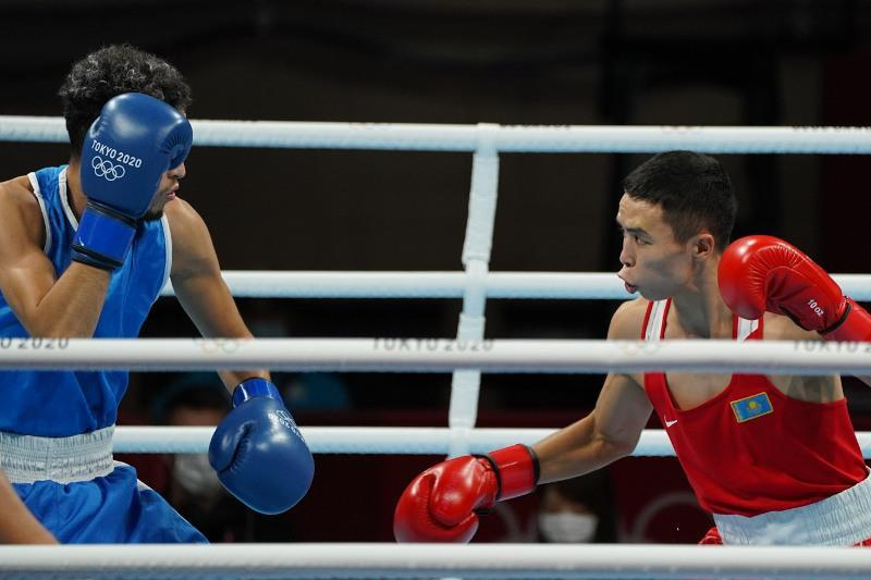 Kazakhstan's Bibossinov reaches flyweight boxing tournament 1/4 finals at Olympics