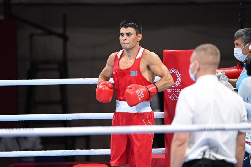 Boxer Zakir Safiullin advances at Tokyo Olympics