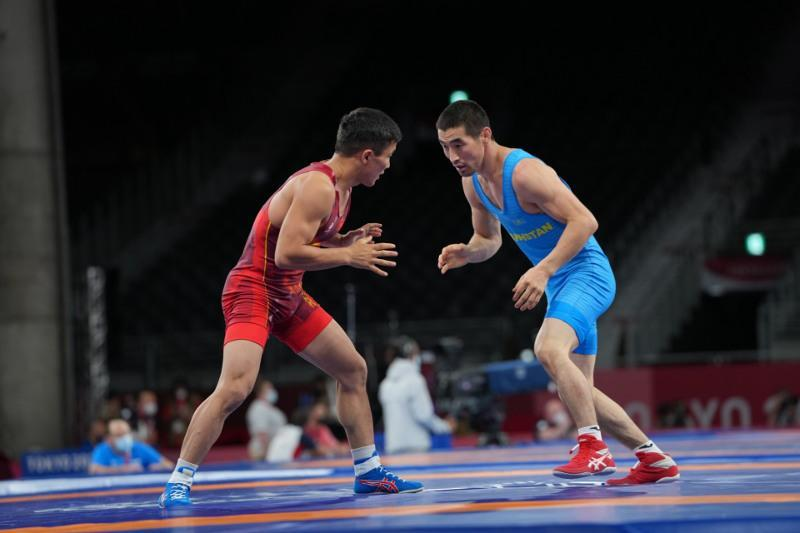 Two Kazakhstani wrestlers lose in 1/8 finals at Olympics