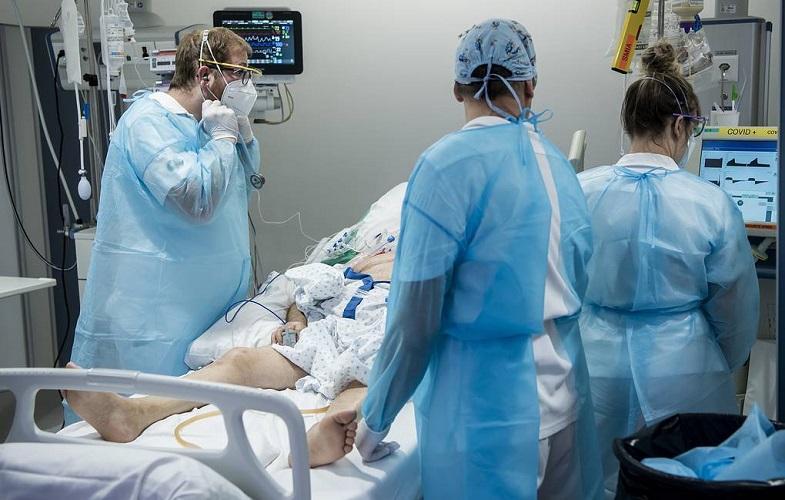 Заболеваемость COVID-19 в мире в июле возросла на треть, но резко снизилась смертность