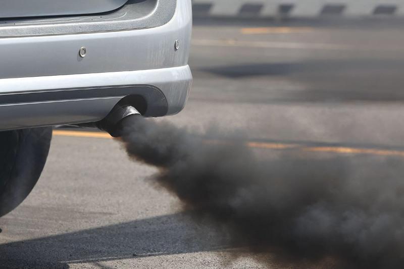 Штрафы за загрязнение воздуха получили 16 водителей в Атырау