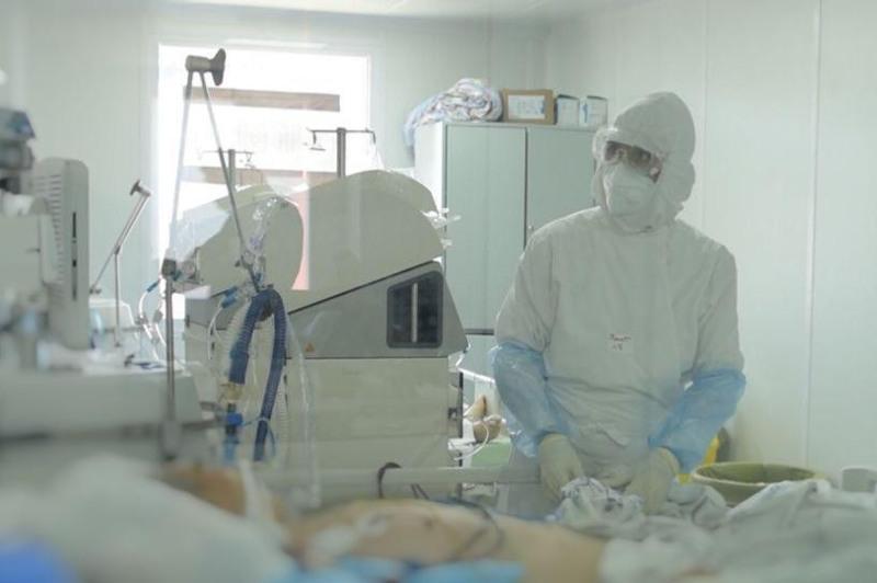 «Койки заполняются мгновенно» - столичные врачи обратились к горожанам