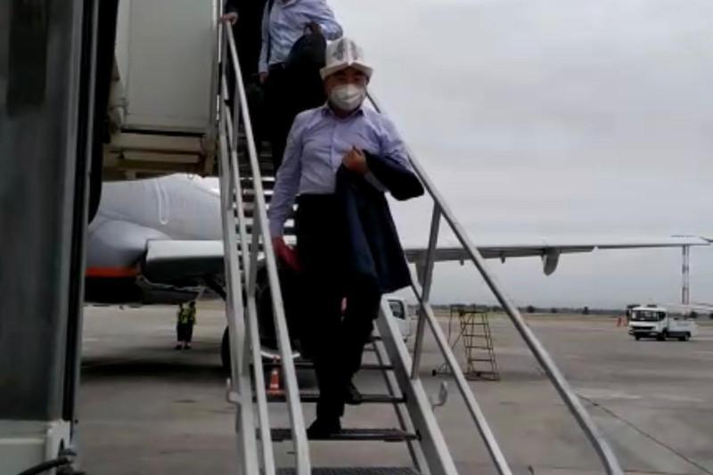 Аскар Акаев доставлен в Бишкек
