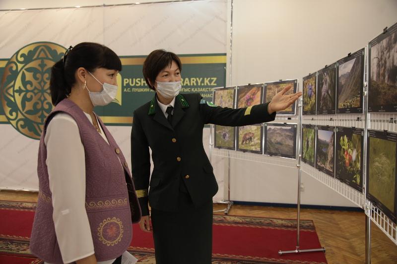 Природу Катон-Карагайского нацпарка представили на фотовыставке в ВКО