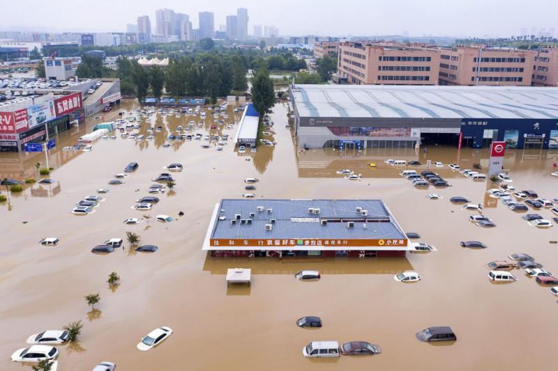 中国河南特大洪涝灾害已致302人遇难