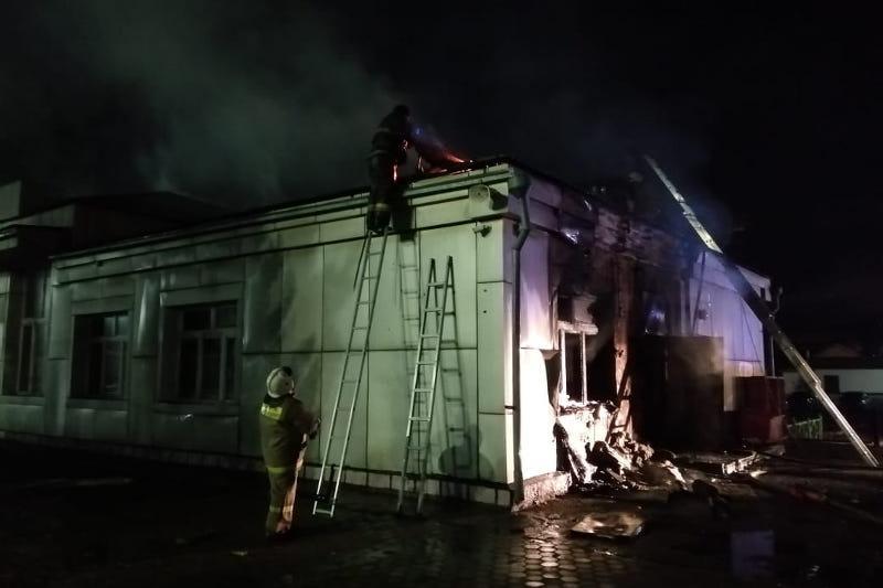 Разлитое масло стало вероятной причиной пожара на вокзале в Макинске