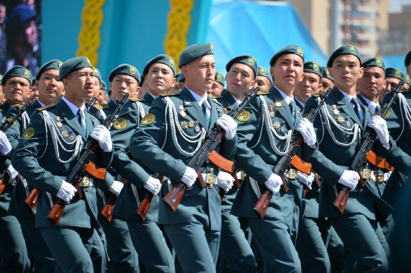 Военные вузы Минобороны набирают курсантов