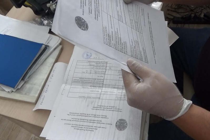 Pavlodar polıtsııasy jalǵan vaktsına pasportyn satyp alǵan 200 adamdy izdestirip jatyr