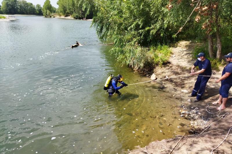Парень спас тонущую 14-летнюю девочку в Усть-Каменогорске