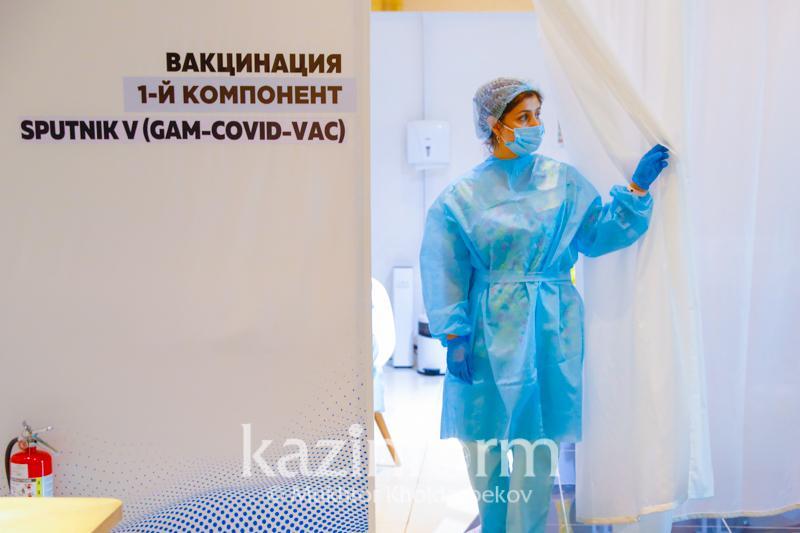До 6 тысяч человек в сутки вакцинируется в Нур-Султане